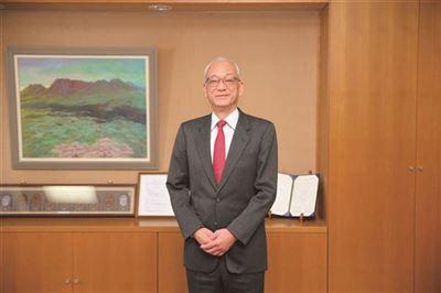 尾原校長の写真