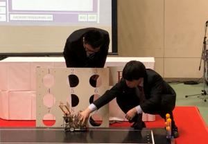 機械システム技術科のロボット競技の写真